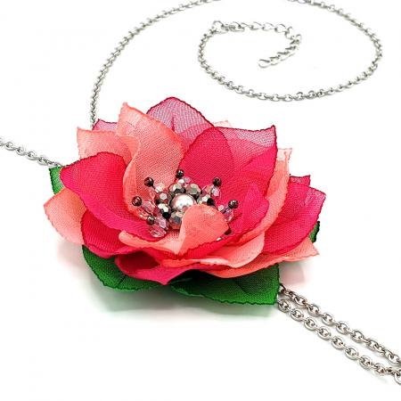 colier-lung-pandantiv-floare-roz [3]