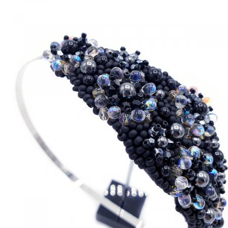 MYSTIC LADY | Coronita par neagra cu perle1