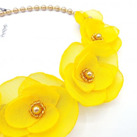 SUNSHINE | Colier statement elegant, flori galbene1