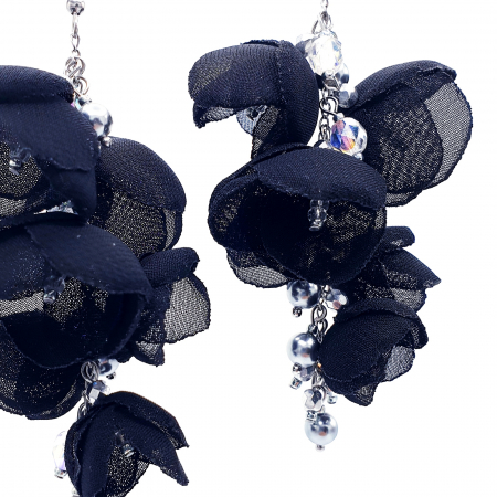 cercei-lungi-statement-flori-negre [1]