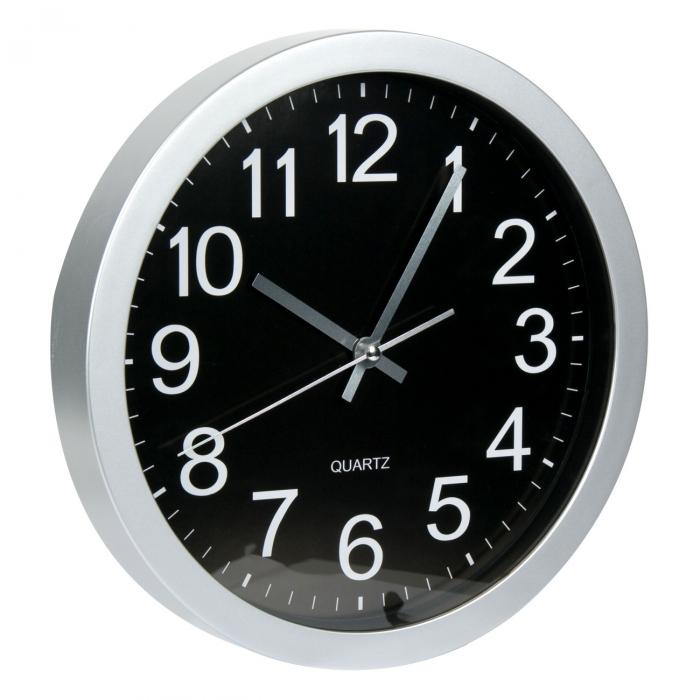 Ceas rotund de perete argintiu cu fundal negru 1