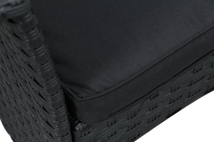 Set masă dreptunghiulară cu 2 fotolii și 1 canapea cu perne. 1
