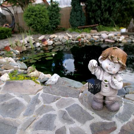 Decorațiune grădină, ceramică, băiat cu felinar2
