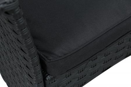 Set masă dreptunghiulară cu 2 fotolii și 1 canapea cu perne.1