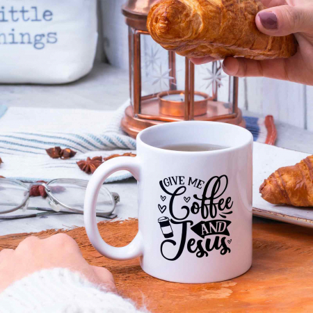 Cană cu mesaj creștin Give me Coffee and Jesus [2]