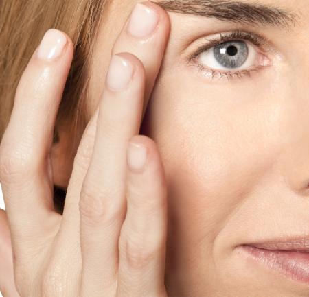 Contur pentru ochi iluminator cu celule stem  vegetale [1]