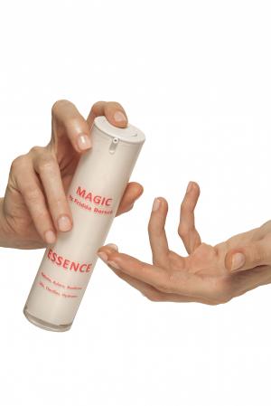 Ser Magic Essence cu acid hialuronic și AHA [1]