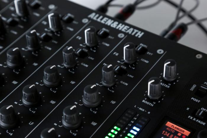 XONE:PX5 - Mixer pentru DJ [12]