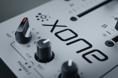 XONE:96 - Mixer pentru DJ [14]