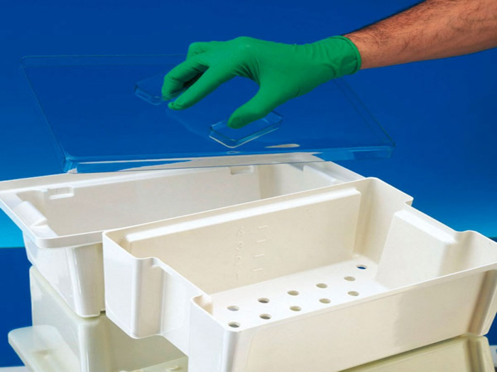 Cuva BODE desinfectare la rece - 3 litri - 300x200x110 mm - capac crem si sita instrumente [0]
