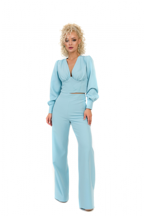 Pantalon bleu evazat [1]