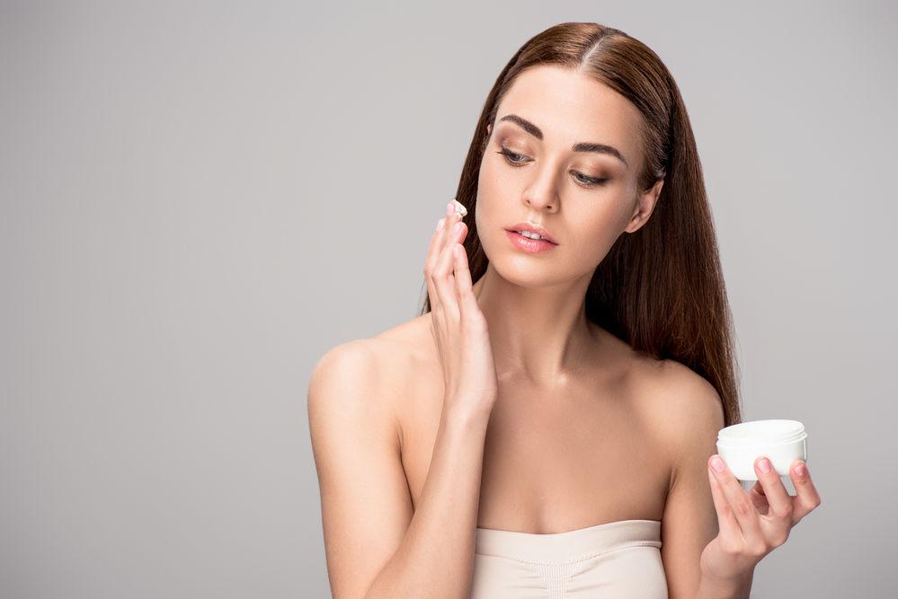Îngrijirea pielii: de ce este important să alegi produse 100% naturale?