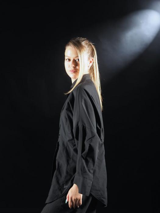 Camasa Neagra Cu Pense Tip Corset [3]