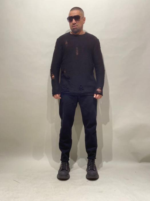 Pulover Negru Tricotat Cu Efect Rupt [3]