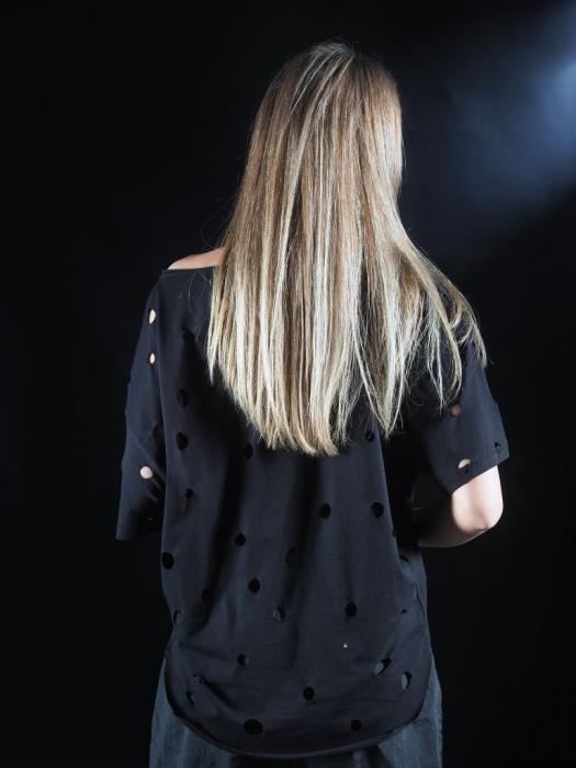 Tricou Negru Gaurit [4]