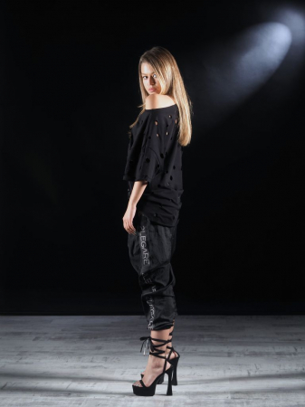 Tricou Negru Gaurit [6]