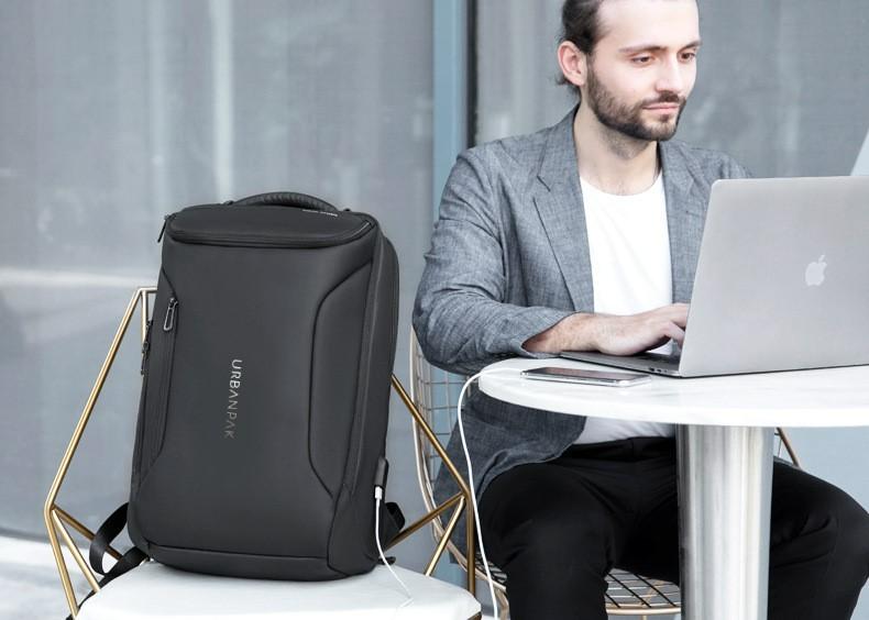 Rucsacul laptop ideal pentru studenti